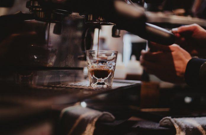 Allt du behöver veta om en manuell espressomaskin - NYHETSGRAM