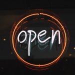 Upptäck de många fördelarna med att marknadsföra dig med ljusskyltar led i olika former